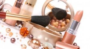 cosmetic-makeup-1-550x300